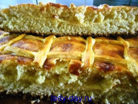 Пирог с творожной начинкой