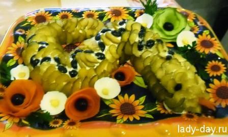lady-day-Новогодний салат Змея