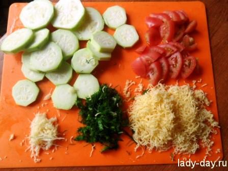 Кабачки, помидоры, сыр