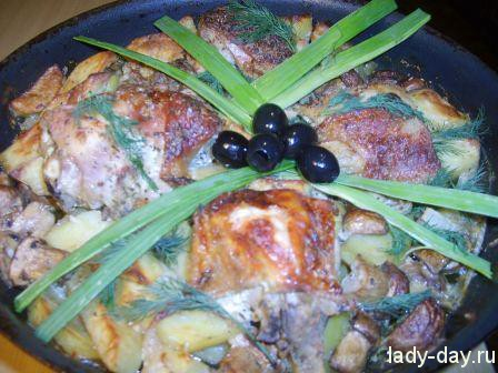 Куриные бедрышки с картошкой