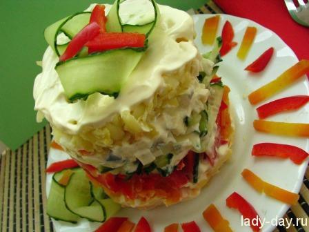 Слоеный салат с яйцами