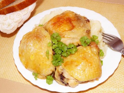 Запеченные куриные бедра