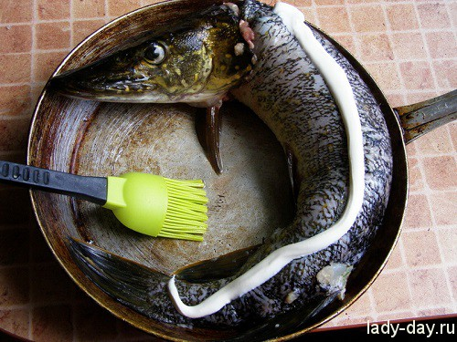 Фаршированная щука в духовке