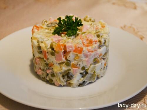 "Классический салат ""Оливье"""