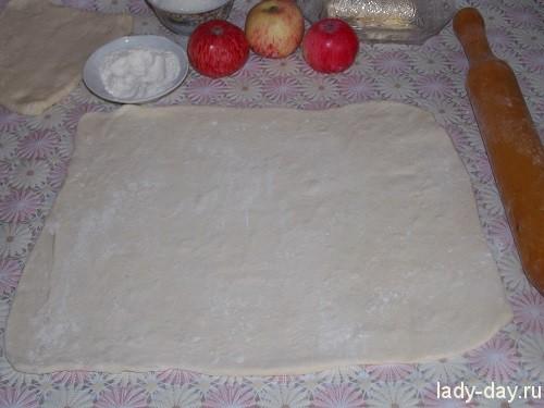 Пирог с яблоками на скорую руку