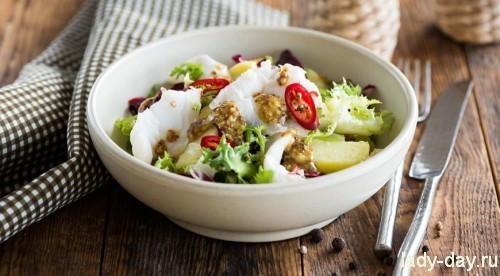 Картофельный салат с маринованной треской