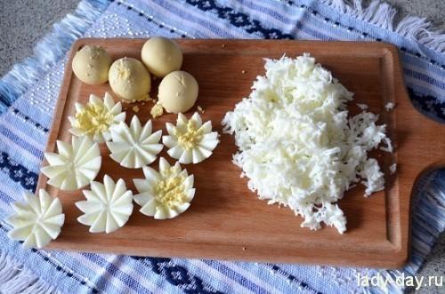 цветы из яиц
