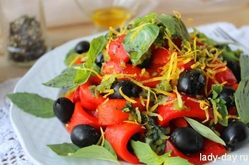 Салат из печеного болгарского перца