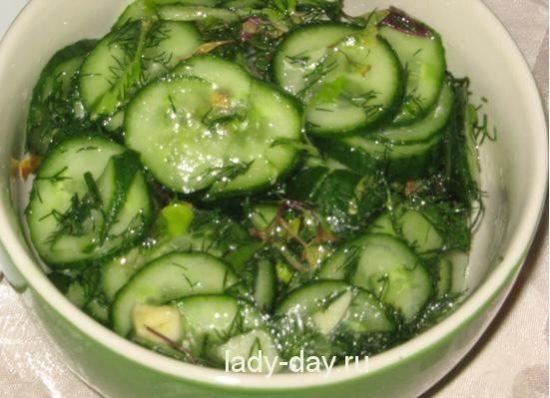 salat-iz-ogurtsov-s-chesnok3456_salatogur_mal402