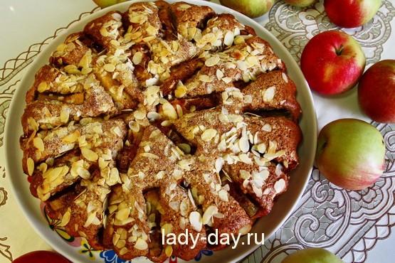Яблочный пирог  готовить легче
