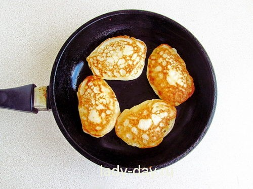 Лучший рецепт оладьев на кефире