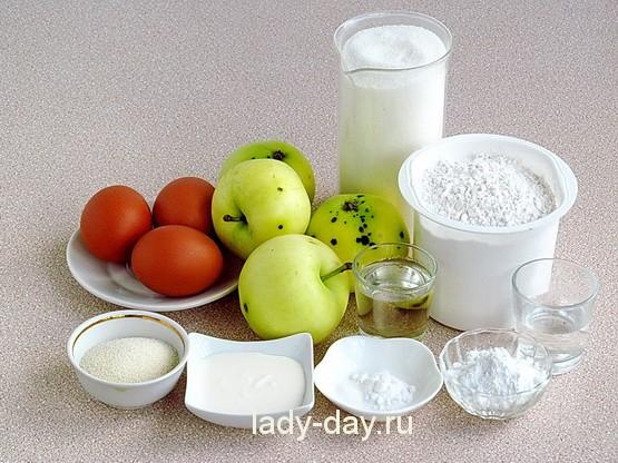 Пышная шарлотка с яблоками рецепт с фото