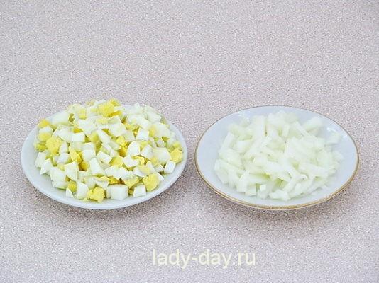 яйца и лук