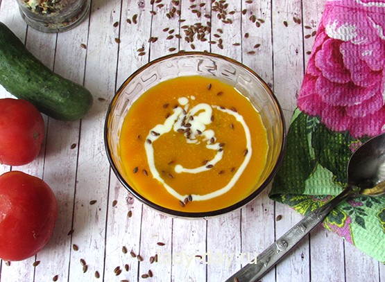 тыквенный суп с льняными семечками