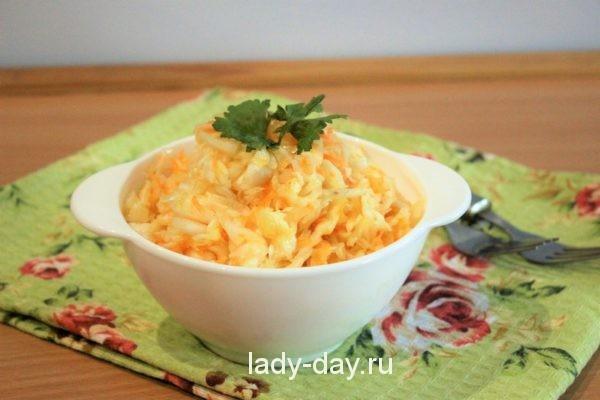 фото Салат из капусты с морковью