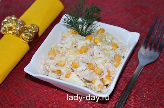 Салат из курицы с ананасом, рецепт с фото