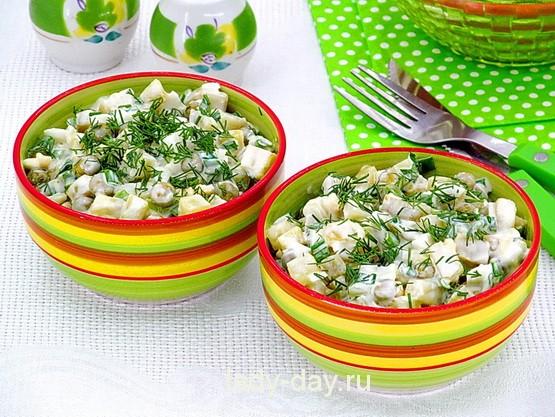 Салат из картофеля, яиц, горошка