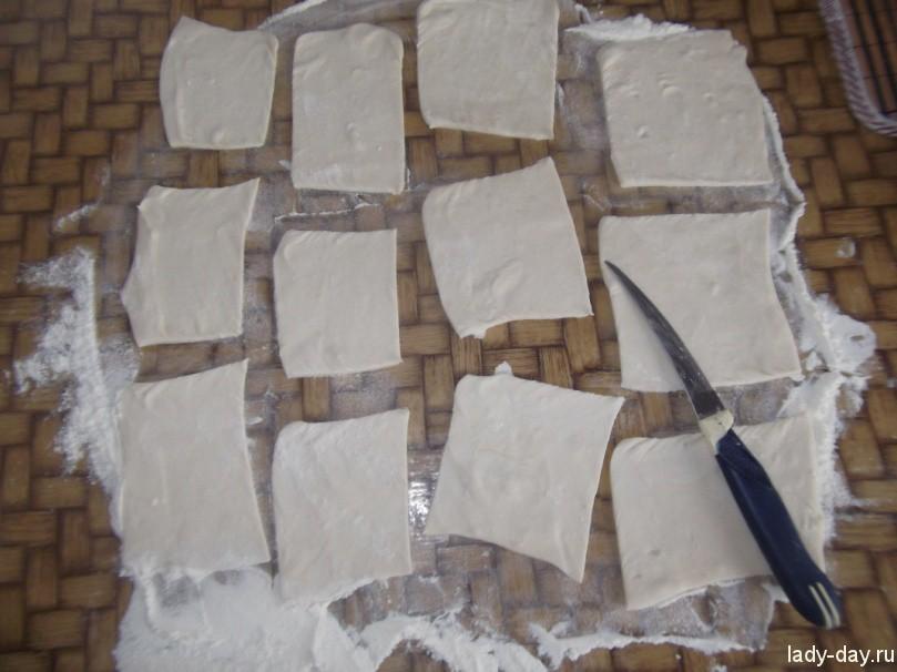 слоеное тесто порезать