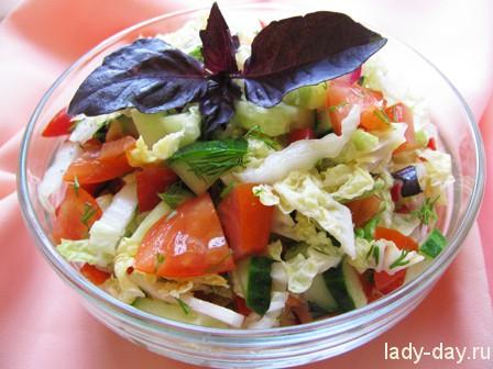 Рецепт салата из пекинской капусты, огурцов и помидор