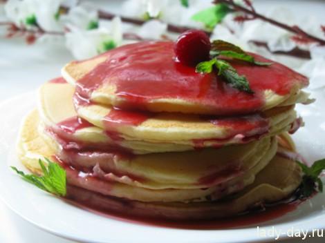 Рецепт панкейков с вишневым соусом