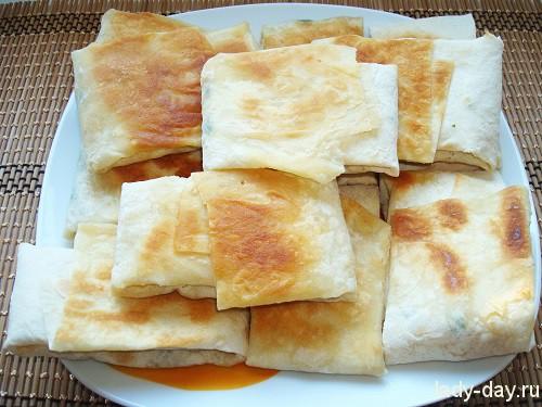 Горячая закуска из армянского лаваша с овощами и сыром