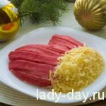 Новогодний салат «Варежка»
