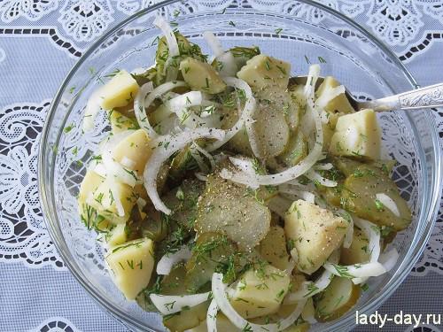 картофельный салат с огурцом