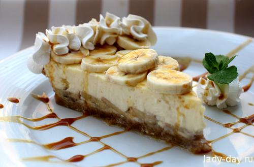 Десерт с бананами и творогом