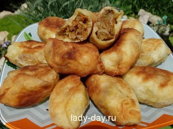 Пирожки с капустой жареные на сковороде