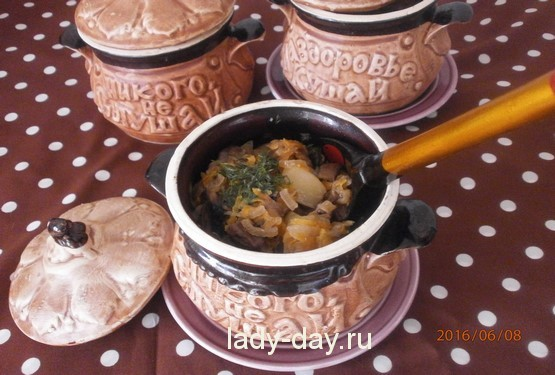 Жаркое в горшочке с мясом и картошкой в духовке: рецепт с фото