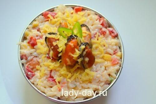 Салат с мидиями, рецепт с фото