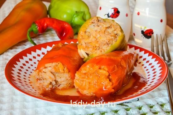 Фаршированный перец с мясом и рисом