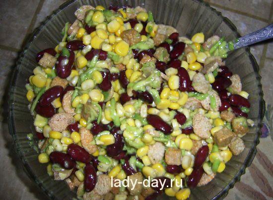 Постынй салат с авокадо