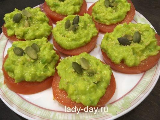 помидор и авокадо