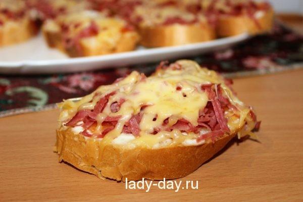фото горячего бутерброда