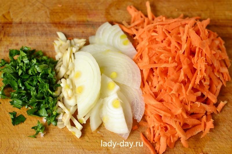 Лук, морковь, чеснок, зелень