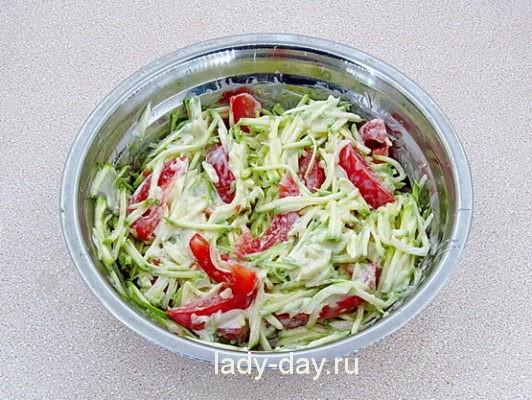 салат из сырых кабачков рецепты быстро и вкусно с фото