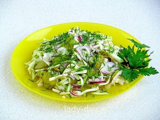 Салат из кабачков с огурцами, рецепт