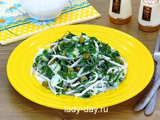 Салат из дайкона с огурцами