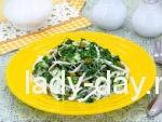 Салат из дайкона со свежими огурцами