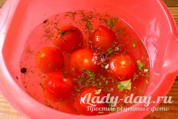 помидоры маринуются