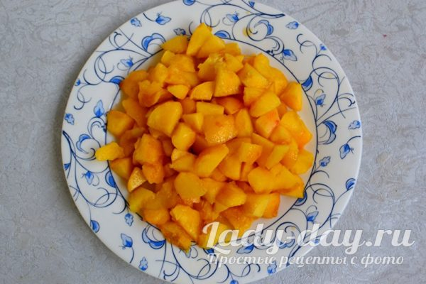 измельчаем персики