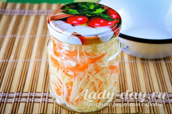 залить капусту маринадом