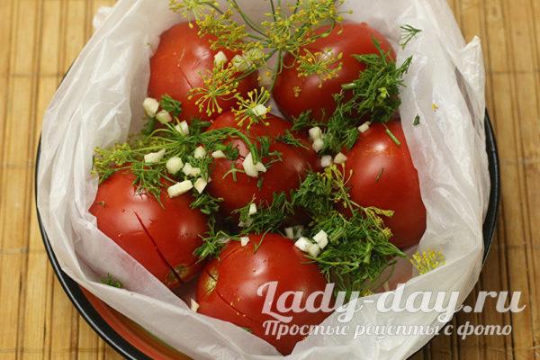 приправляем помидоры