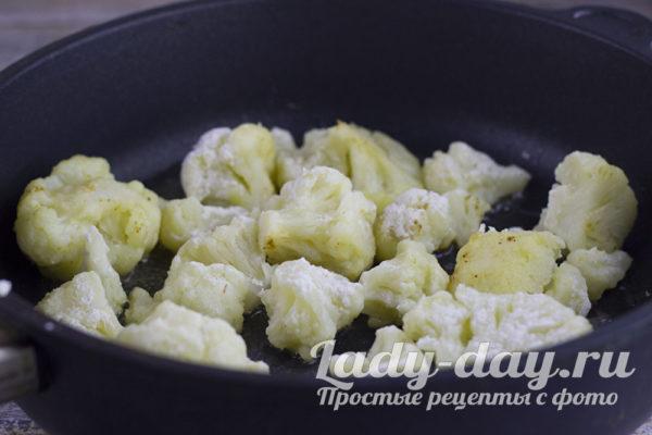 обжарить цветную капусту