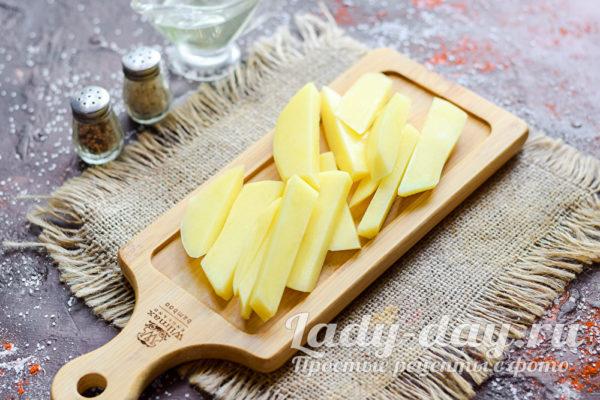 Картофель брусками