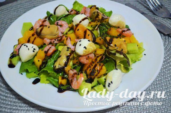 салат с морепродуктами рецепт с фото очень вкусный