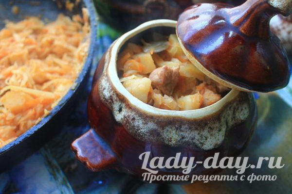 Тушеная картошка с мясом и капустой