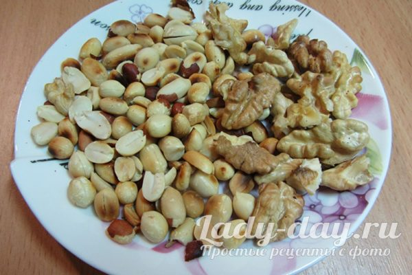 жареные орехи