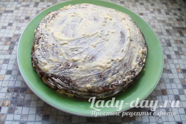 Печеночный торт из куриной печени с овощами